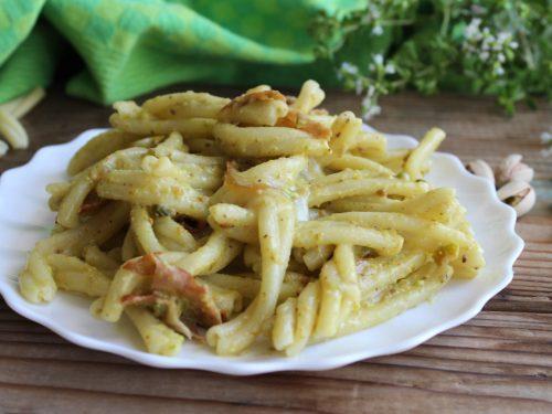 Pasta con pistacchi e mortadella ricetta semplice cremosa senza panna