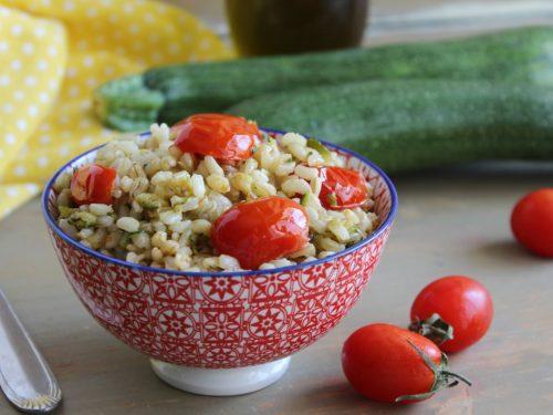 Insalata di cereali misti ricetta con verdure facile e leggera.