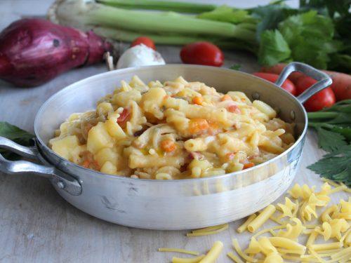 Pasta e patate alla napoletana cremosa  ricetta tradizionale azzeccosa