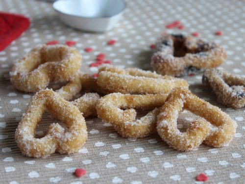 Dolci di San Valentino cuori zuccherati frittelle soffici vegane ricette facili