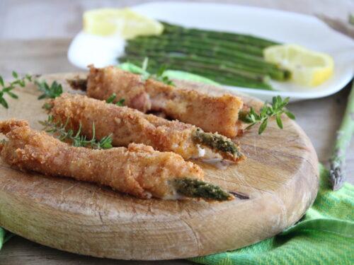 Involtini di asparagi e pancetta cremosi fagottini gratinati