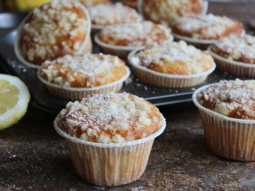 Muffin al limone soffici leggeri ricetta senza burro profumati