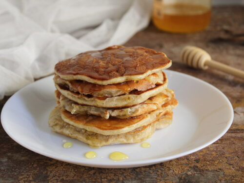 Pancake con yogurt greco light al miele ricetta soffice sana veloce