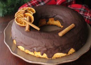 Ciambella sofficisima all'arancia con cioccolato fondente