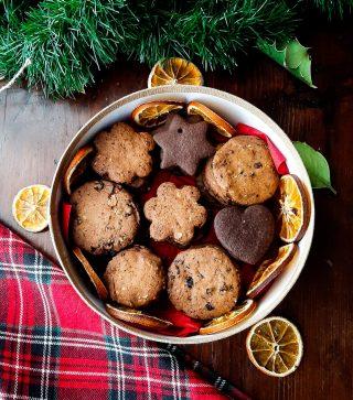 Biscotti natalizi con frutta secca