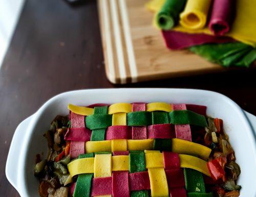 Crespelle colorate ad intreccio con ripieno di verdure