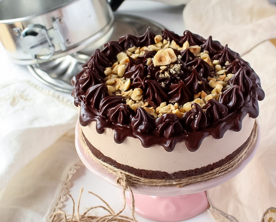 Cheesecake doppio cioccolato e nocciole