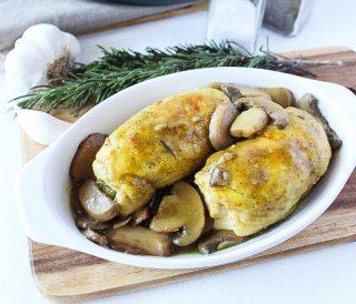 Involtini di pollo al curry con funghi