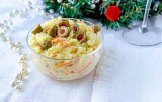 insalata di riso e patate con tonno e olive