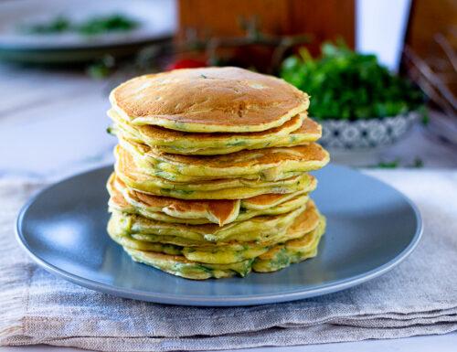 Pancake salati con tonno e rucola