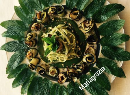 Spaghetti con zucchine fritte con spolverata di nocciole