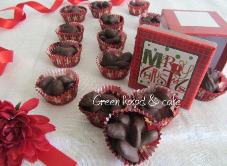 Mandorle ricoperte di cioccolato