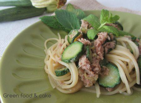 Spaghetti alle zucchine con tonno e menta