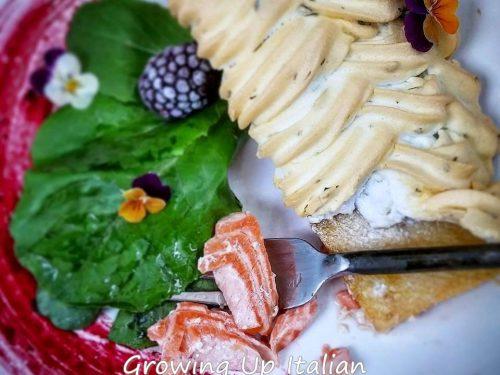 Filetti di salmone in Meringa salata con Cilantro e Lime