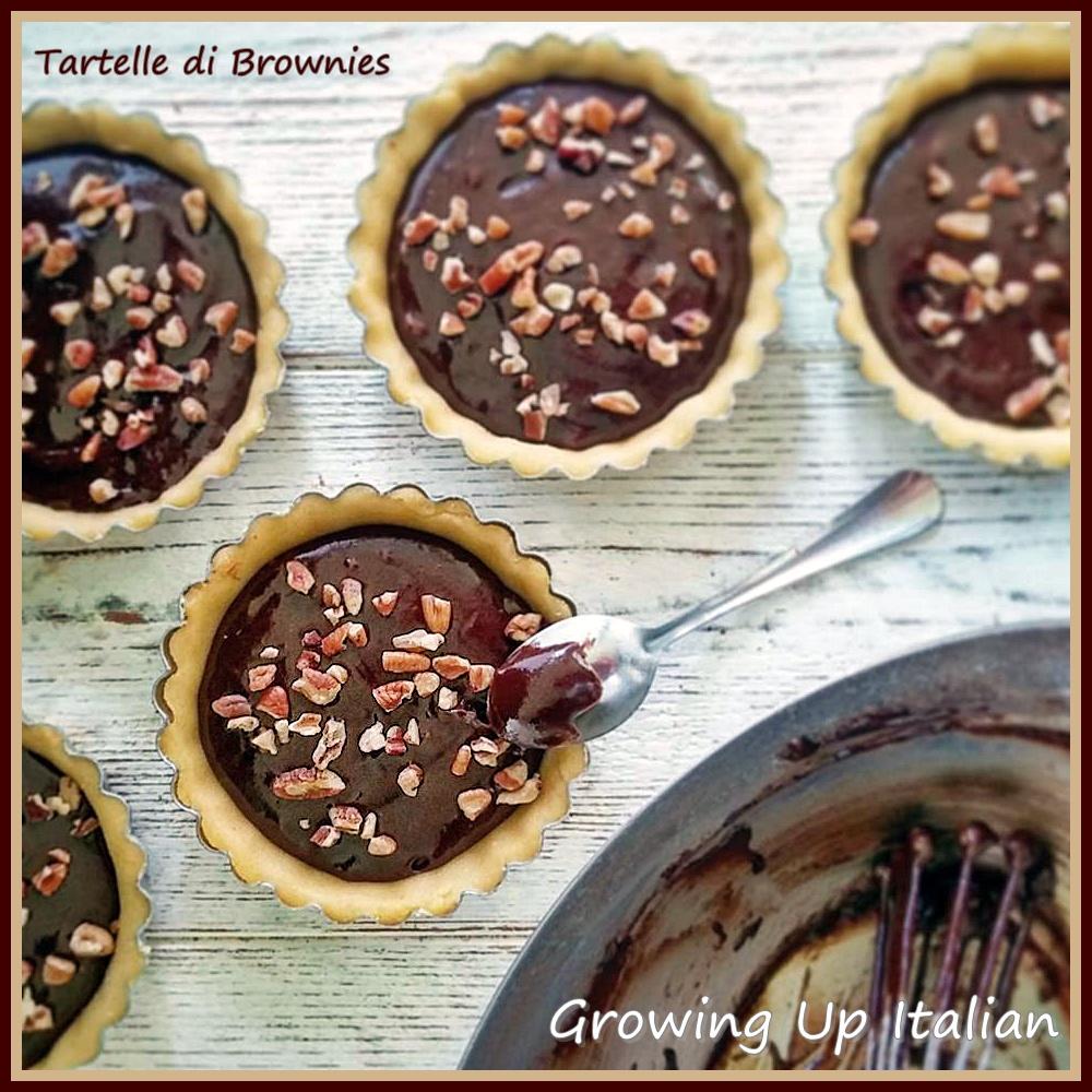 Tartelle ai Brownies con Pasta frolla all'arancia e Noci Americane