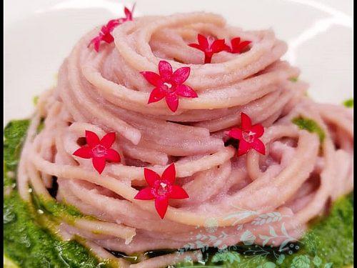 Red Cabbage Pesto Spaghetti with Persillade. VEGAN delight.