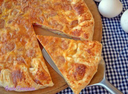 Torta salata wurstel e formaggio