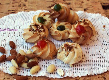 Dolcetti di pasta di mandorle ( petit four )