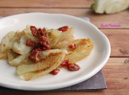 Finocchi in padella con pomodori secchi