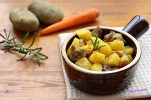 Stufato di carne con patate e zafferano
