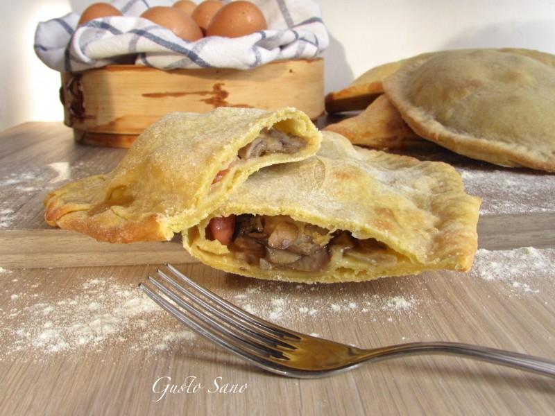 calzone farcito di pasta all'uovo