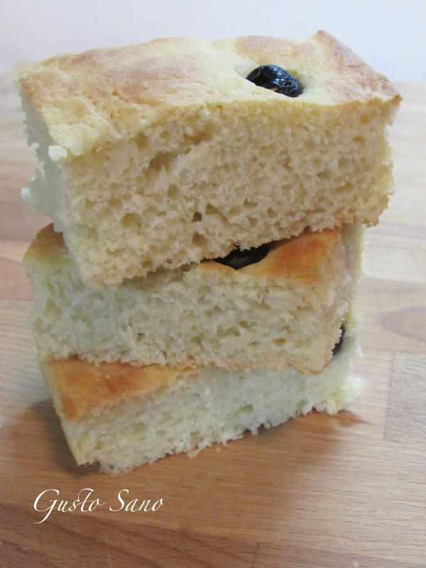 focaccia soffice alle olive nere