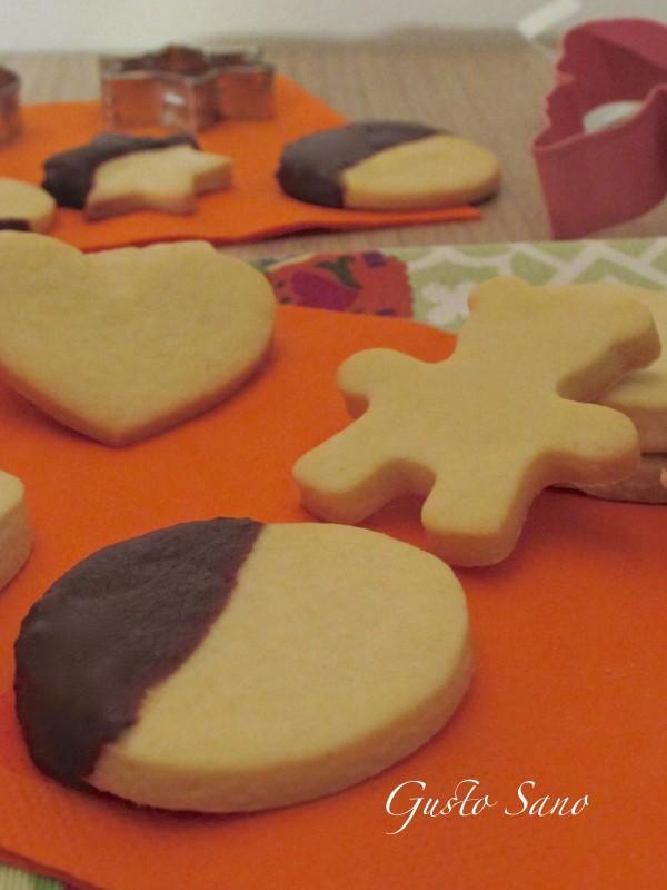 biscotti di frolla con cioccolato