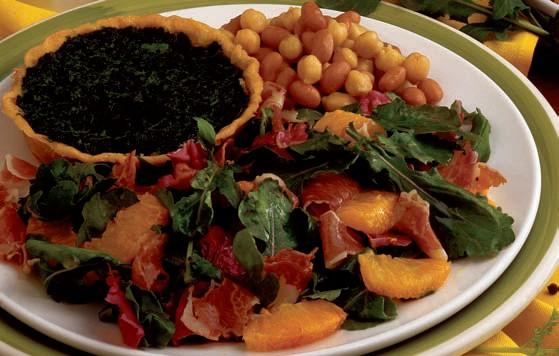 Antipasto rustico, con pasta frolla, verdure e legumi