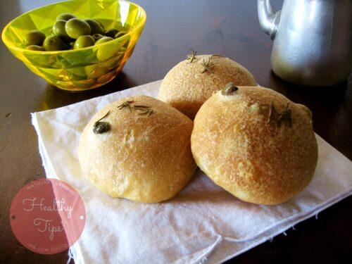 Panini alle olive con farina di farro