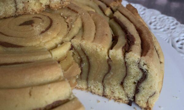 Crostata arrotolata con Nutella e burro di arachidi