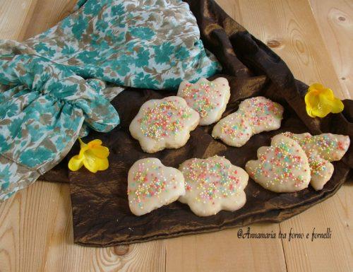 Biscotti di frolla glassati