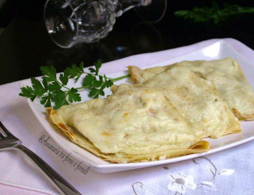 Crespelle con crema di carciofi  salsiccia e gorgonzola