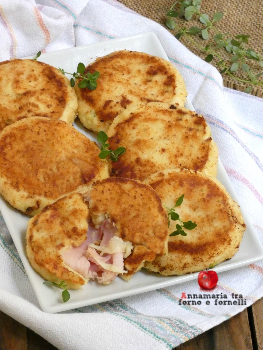 vmedaglioni di patate con prosciutto e mozzarella
