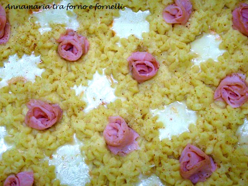 torta di patate con rose di prosciutto