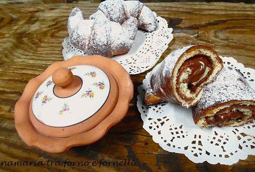 Cornetti bicolori con nutella