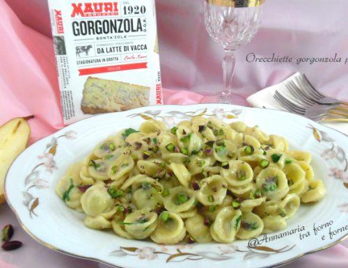 Orecchiette gorgonzola pere pistacchio