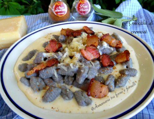 Gnocchi di patate viola cremosi
