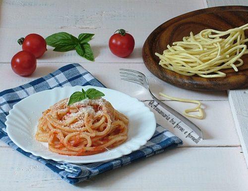 Tagliolini pomodoro e pancetta