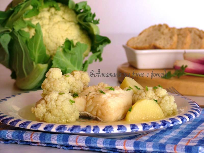 Baccalà in bianco con cavolfiore e patate