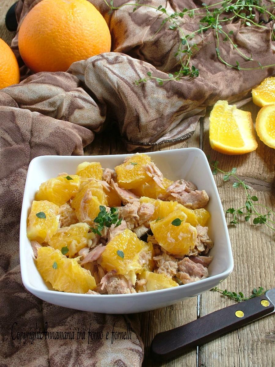 insalata di arance e tonno verticale