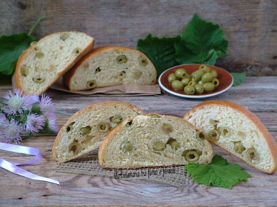 Pane alle olive verdi