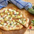 pizza con salame e zucchine