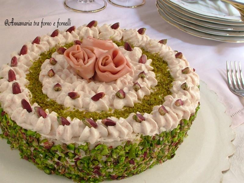 torta con mousse di mortadella e ricotta