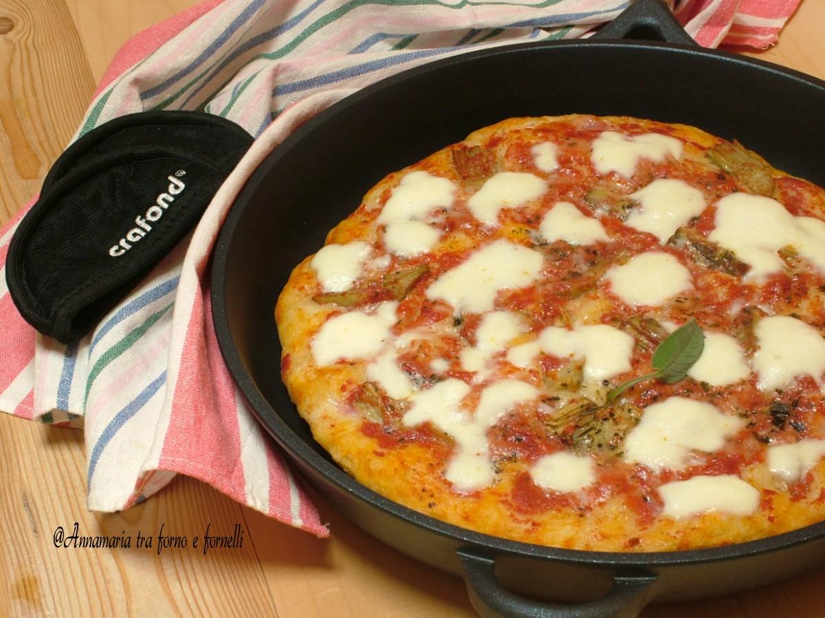 Ricetta Pizza In Padella.Pizza In Padella Cotta Sul Fornello Come Nel Forno Una Bonta
