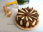 torta con foglie di cioccolato
