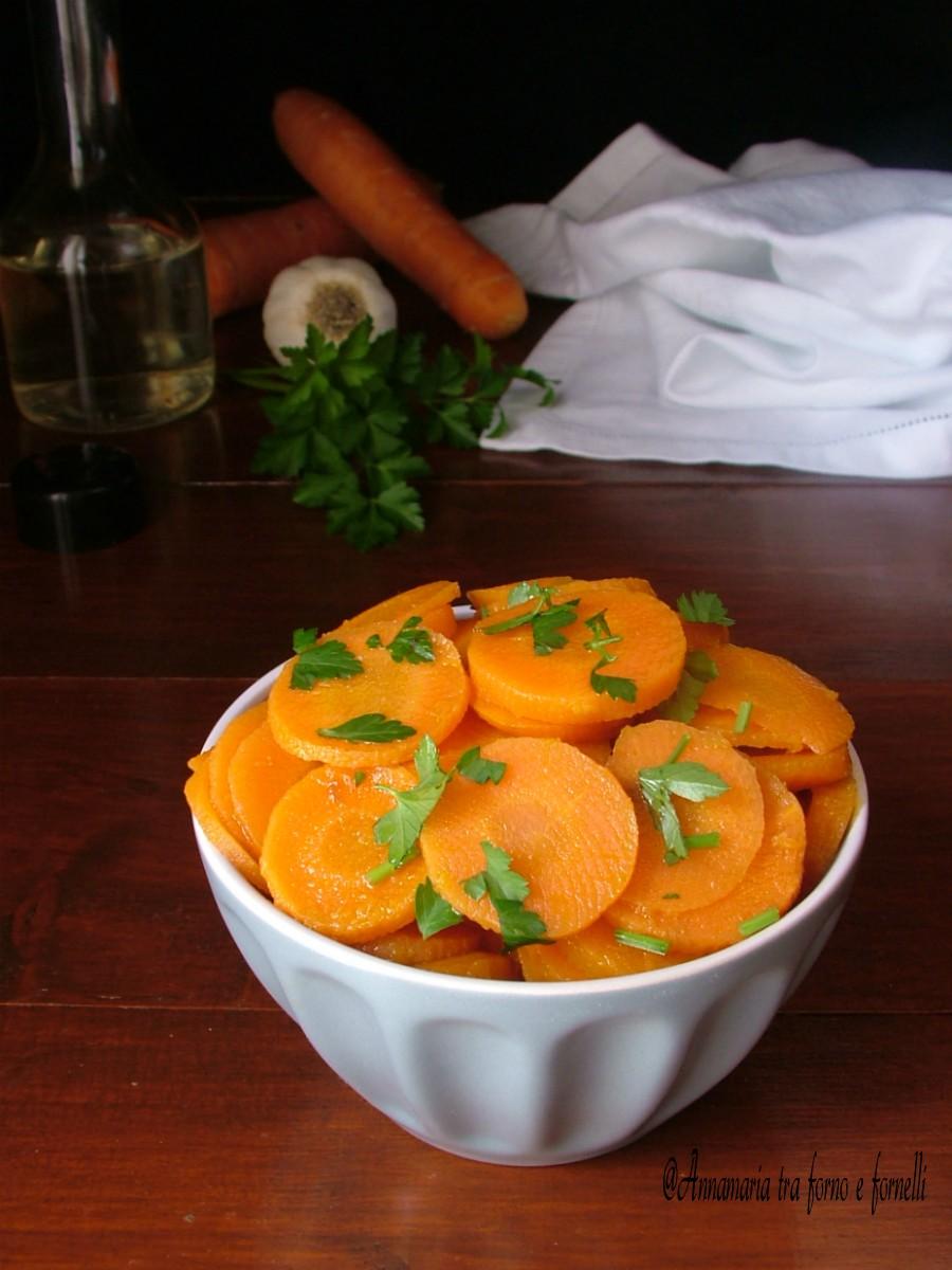 contorno di carote agrodolci verticale
