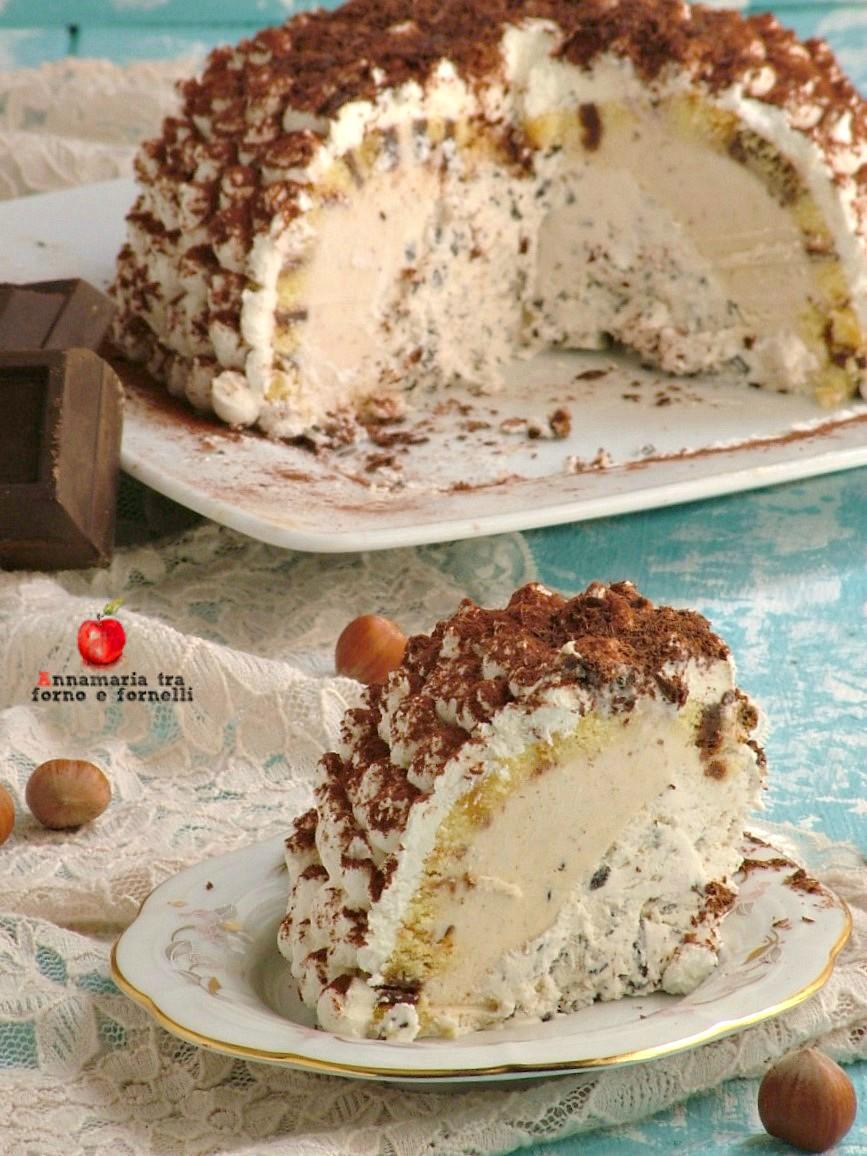 zuccotto con gelato stracciatella e nocciola verticale