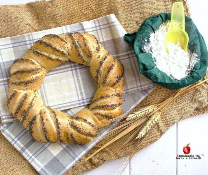 corona centrotavola di pane
