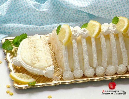 Tronco di gelato al limone con wafer