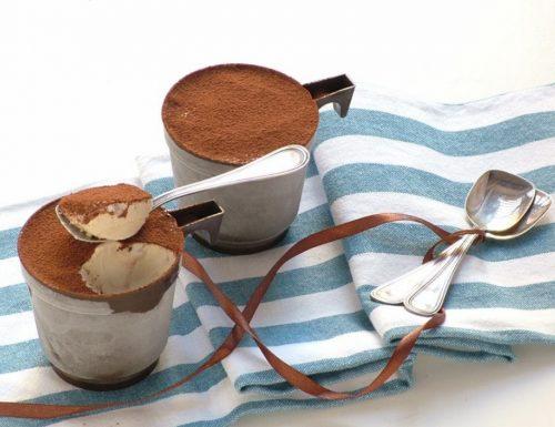 Gelato cremoso in tazza